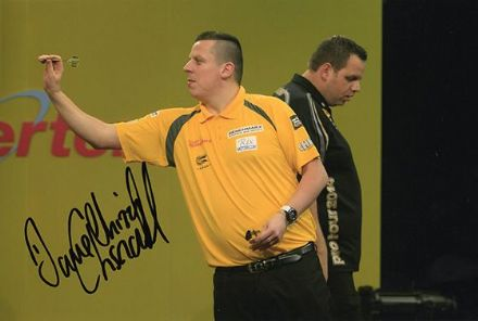 Dave Chisnall, signed 12x8 inch photo.(2)